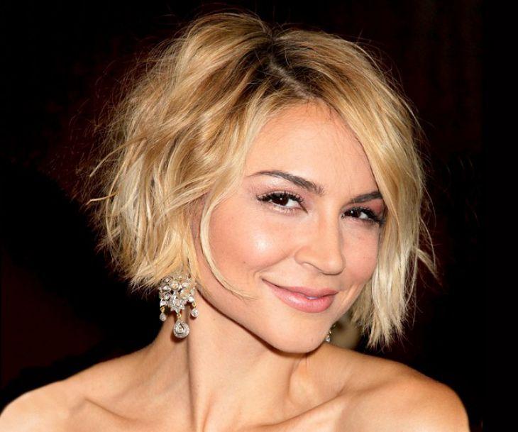https: img-z.okeinfo.net content 2018 09 24 194 1955024 ini-referensi-gaya-potongan-rambut-untuk-wanita-40-tahunan-agar-terlihat-awet-muda-NmTepPBDb7.jpg