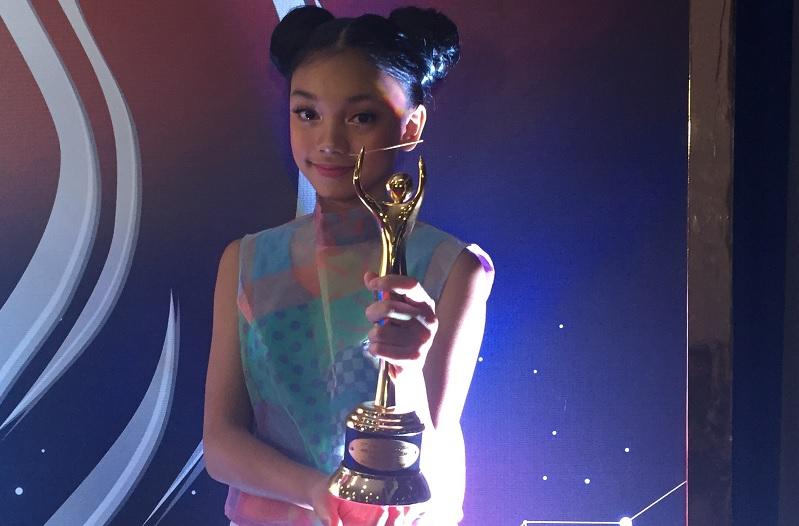 https: img-z.okeinfo.net content 2018 09 27 205 1956370 menang-ami-awards-2018-naura-termotivasi-untuk-makin-giat-berlatih-McWfxQTn6s.jpg