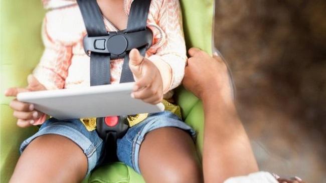 https: img-z.okeinfo.net content 2018 09 27 207 1956353 seorang-anak-tewas-menghantam-tablet-dalam-kecelakaan-mobil-3j9HM6p10a.jpg