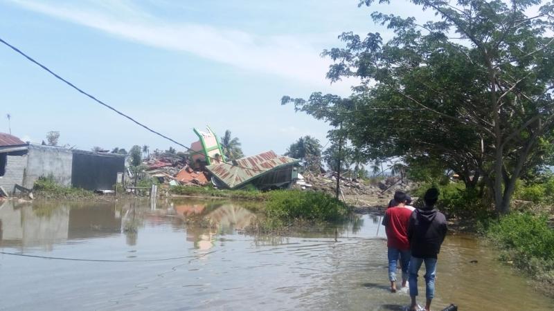 https: img-z.okeinfo.net content 2018 10 02 340 1958801 gempa-tsunami-palu-istri-saya-belum-ditemukan-kondisi-sedang-hamil-ys5iRmDZdc.jpg