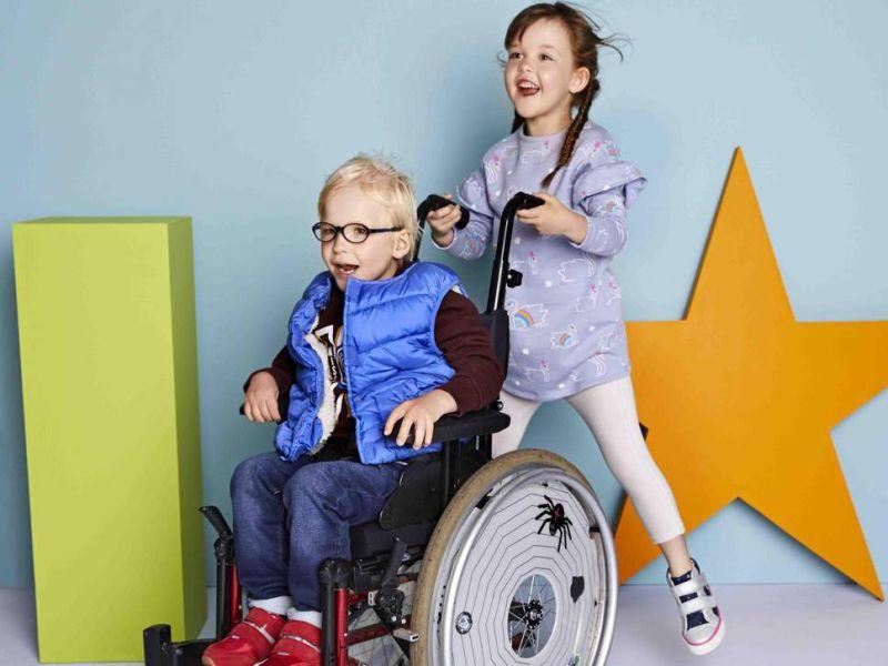 https: img-z.okeinfo.net content 2018 10 04 194 1959627 buat-pakaian-khusus-untuk-anak-disabilitas-brand-ini-tuai-tanggapan-positif-dbXUpUsw8r.jpg