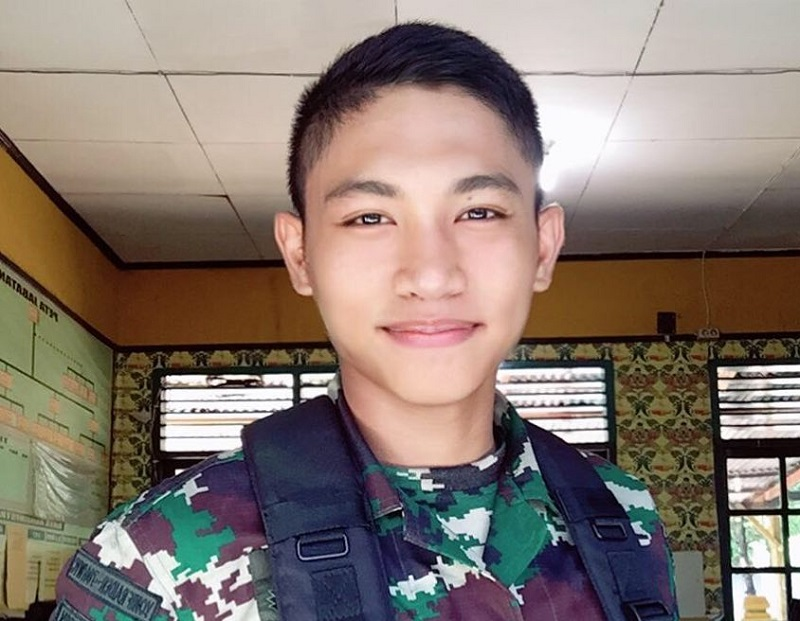 https: img-z.okeinfo.net content 2018 10 05 194 1960132 potret-5-tentara-yang-ketampanannya-bikin-baper-2S0SoSZ7SL.jpg