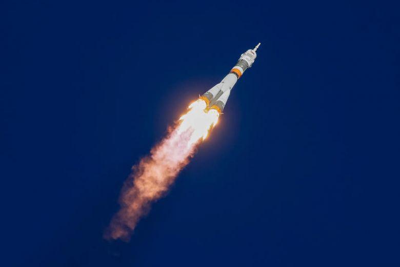 https: img-z.okeinfo.net content 2018 10 11 18 1962742 pesawat-ulang-alik-dengan-dua-astronot-iss-alami-kerusakan-di-udara-l4rNeXYp8o.jpg