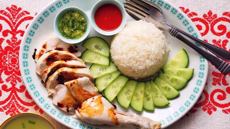 https: img-z.okeinfo.net content 2018 10 11 298 1962526 bikin-sendiri-hainan-chicken-rice-kuliner-singapura-yang-dibilang-sandiaga-uno-mahal-di-indonesia-lAPr9QMp2p.jpg