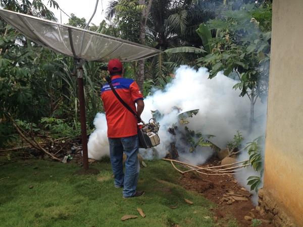 https: img-z.okeinfo.net content 2018 10 27 340 1969814 rescue-perindo-fogging-permukiman-warga-di-daerah-rawan-dbd-di-bengkulu-utara-VyijojiNxv.JPG