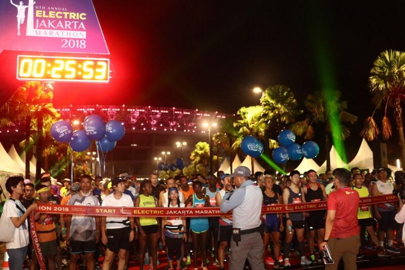 https: img-z.okeinfo.net content 2018 10 28 43 1970032 12-000-peserta-ikuti-electric-jakarta-marathon-2018-VjWYefZLfs.jpg