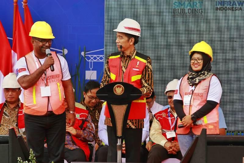 https: img-z.okeinfo.net content 2018 11 01 1 1971799 bri-dukung-industri-infrastruktur-nasional-melalui-acara-konstruksi-indonesia-2018-dwX8rkFCcV.jpg