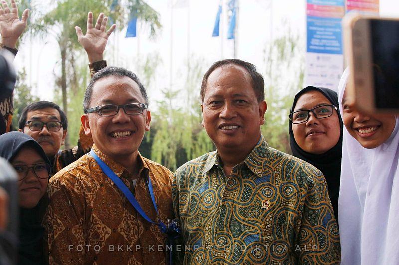 https: img-z.okeinfo.net content 2018 11 01 65 1972165 penguatan-daya-saing-riset-indonesia-tertinggi-kedua-di-asean-Eoqx0lPoaI.jpg