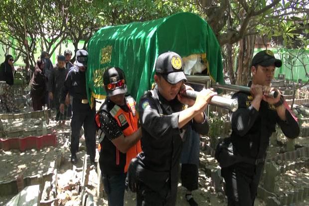 Sang Istri Mengenang Jiwa Sosial Penyelam Lion Air yang Gugur