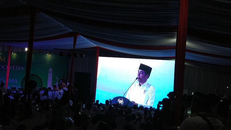 https: img-z.okeinfo.net content 2018 11 04 337 1973237 presiden-jokowi-janjikan-bangun-rusun-bagi-santri-di-tangsel-KqFjLNBNuG.jpg