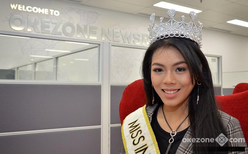 https: img-z.okeinfo.net content 2018 11 07 194 1974632 intip-miss-indonesia-2018-alya-nurshabrina-melukis-gaun-spesial-untuk-miss-world-2018-Zsssn7Gmae.jpg
