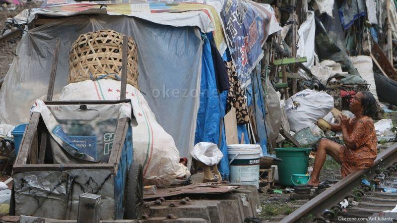 https: img-z.okeinfo.net content 2018 11 07 320 1974716 tambahan-bantuan-sosial-turunkan-angka-kemiskinan-m5SZwJJH1f.jpg