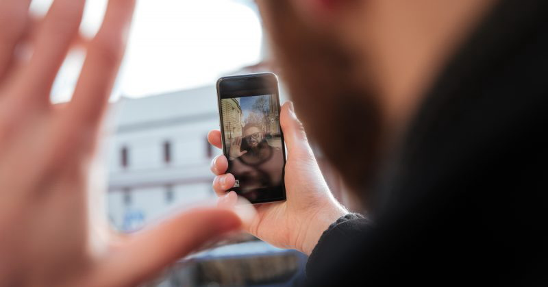 https: img-z.okeinfo.net content 2018 11 07 57 1974600 5-ponsel-terbaik-untuk-nge-vlog-apa-saja-j7YUMEoU4e.jpg