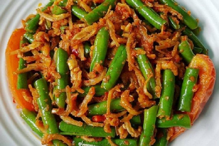 https: img-z.okeinfo.net content 2018 11 08 298 1975233 resep-tumis-buncis-teri-sambal-enak-buat-makan-siang-LEYjGd6oDk.jpg