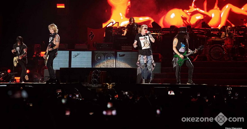 https: img-z.okeinfo.net content 2018 11 09 205 1975313 buka-konser-guns-n-roses-tembangkan-it-s-so-easy-MRe6w0HK3B.jpg