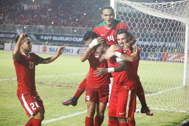 https: img-z.okeinfo.net content 2018 11 09 51 1975765 singapura-unggul-1-0-atas-timnas-indonesia-di-babak-pertama-P5tiJ9nBAO.jpg