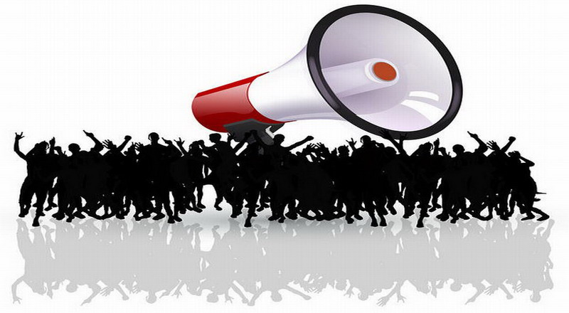 https: img-z.okeinfo.net content 2018 11 10 609 1975846 oknum-mahasiswa-robohkan-pagar-kejati-sulsel-saat-demonstrasi-Ye0o7kStxu.jpg