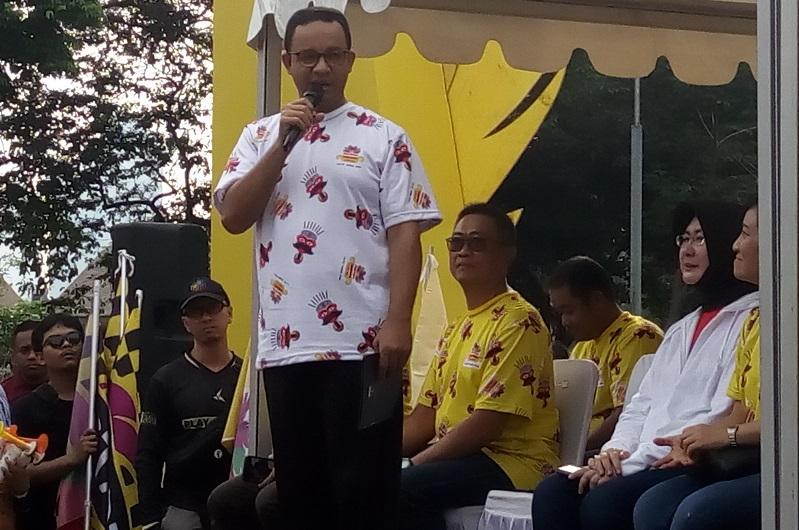 https: img-z.okeinfo.net content 2018 11 11 33 1976226 gubernur-anies-baswedan-turut-hadiri-festival-pesona-lokal-jakarta-wYatfDuPov.jpg