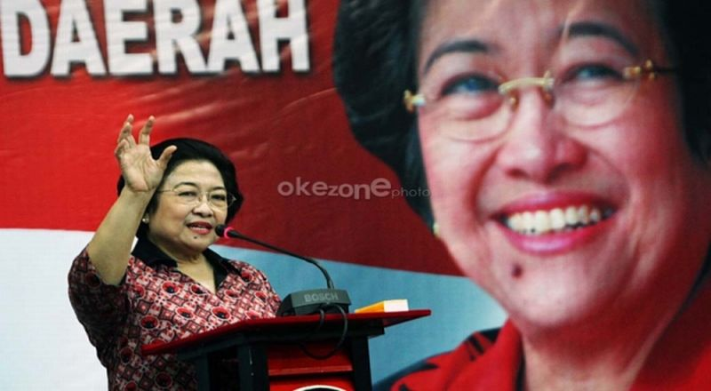https: img-z.okeinfo.net content 2018 11 11 337 1976155 megawati-minta-perempuan-indonesia-berani-terjun-ke-dunia-politik-ERkCmLLnmC.jpg