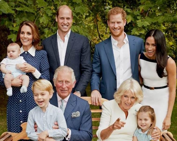 https: img-z.okeinfo.net content 2018 11 14 196 1977740 pangeran-charles-ulang-tahun-ke-70-kerajaan-inggris-rayakan-dengan-rilis-2-foto-keluarga-aRxna8Dofb.jpg
