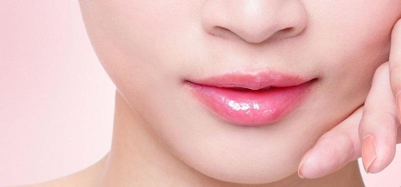 https: img-z.okeinfo.net content 2018 11 20 611 1980289 sering-gonta-ganti-lipstik-ini-cara-mudah-merawat-bibir-agar-tampilannya-tetap-cantik-C6zSherguF.jpg