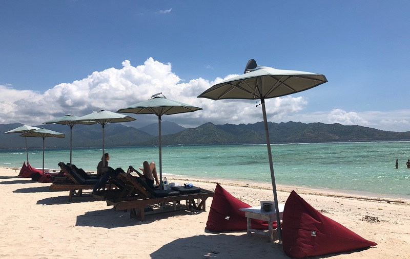 https: img-z.okeinfo.net content 2018 11 23 406 1982004 perjalanan-ke-gili-air-lombok-bakal-makin-seru-jika-melalui-bali-j2VFPgHdw3.jpeg