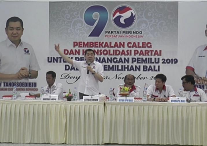 https: img-z.okeinfo.net content 2018 11 25 244 1982632 beri-pembekalan-caleg-di-bali-hary-tanoe-targetkan-top-3-di-pemilu-2019-VCDFVHTV8h.jpg