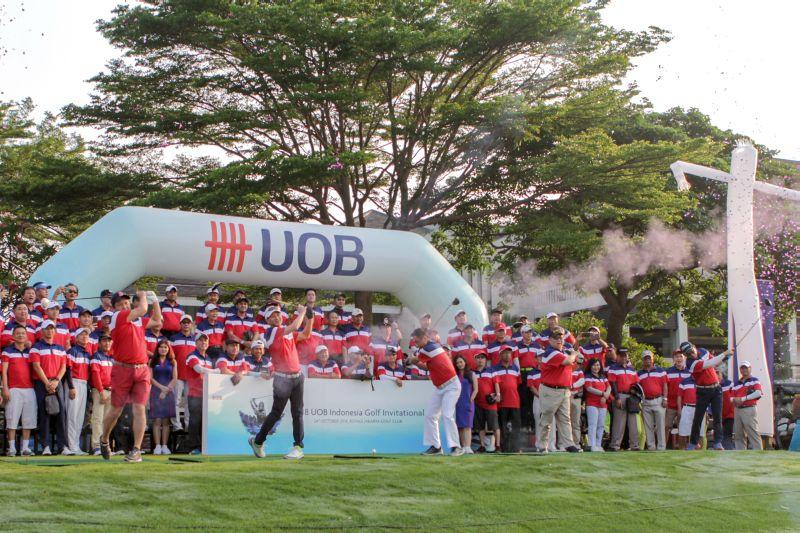 https: img-z.okeinfo.net content 2018 11 27 320 1983718 uob-indonesia-menyelenggarakan-turnamen-uob-golf-invitational-2018-untuk-nasabah-commercial-banking-a2xMkV5n08.jpg