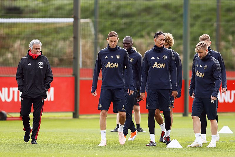https: img-z.okeinfo.net content 2018 12 01 45 1985533 ambisi-mourinho-bawa-man-united-bersaing-di-papan-atas-klasemen-liga-inggris-musim-ini-Z2iUeCsqZC.jpg