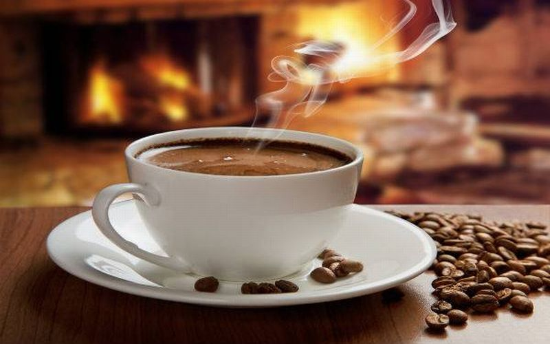 https: img-z.okeinfo.net content 2018 12 01 481 1985355 mana-yang-lebih-sehat-minum-kopi-panas-atau-dingin-fGdHhqpd5A.jpg