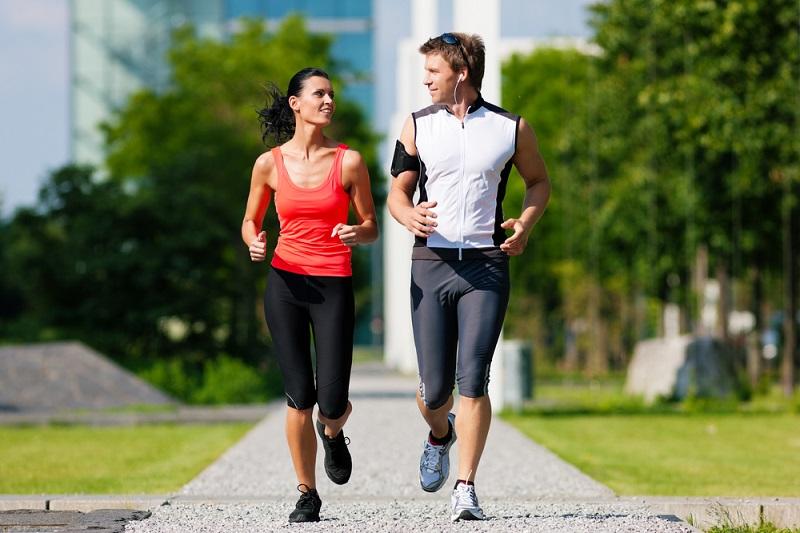 https: img-z.okeinfo.net content 2018 12 01 481 1985577 peneliti-sebut-olahraga-lari-sebagai-pilihan-kalau-ingin-awet-muda-FzI3oFib9c.jpg