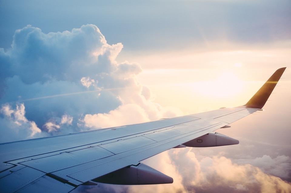 https: img-z.okeinfo.net content 2018 12 03 406 1985946 khawatir-pesawat-yang-ditumpangi-tidak-layak-terbang-ini-penjelasannya-dari-vlog-pilot-vincent-raditya-c5r2ClEC7W.jpg