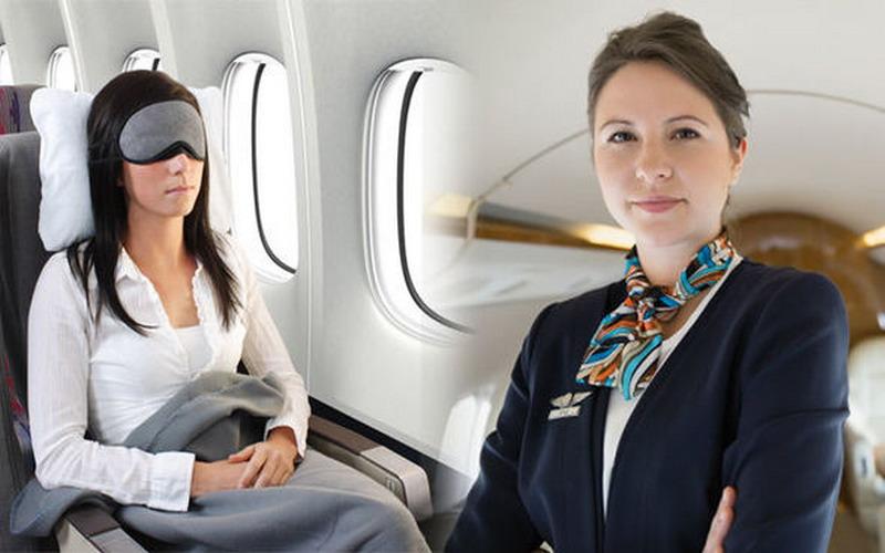 https: img-z.okeinfo.net content 2018 12 03 406 1986010 jadilah-penumpang-cerdas-ini-6-etika-wajib-anda-terapkan-dalam-pesawat-terbang-NXjY7QqHwX.jpg