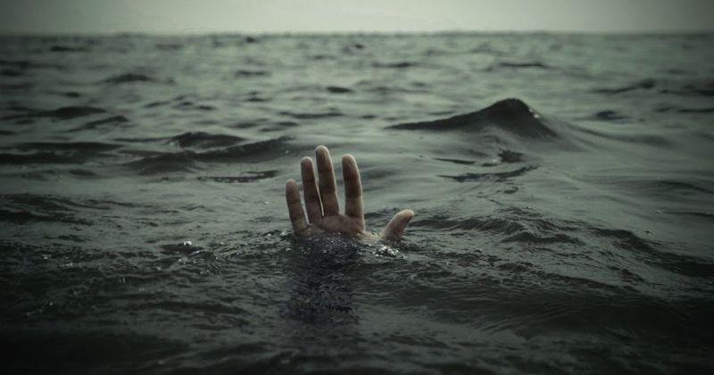 https: img-z.okeinfo.net content 2018 12 03 510 1985965 tolong-bocah-yang-tak-bisa-berenang-teddy-juga-ikut-tenggelam-hingga-tewas-HoyYya4HjG.jpg