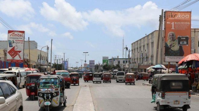 https: img-z.okeinfo.net content 2018 12 05 18 1987140 setelah-27-tahun-as-kembali-buka-misi-diplomatik-di-somalia-w70hufnPiL.jpg