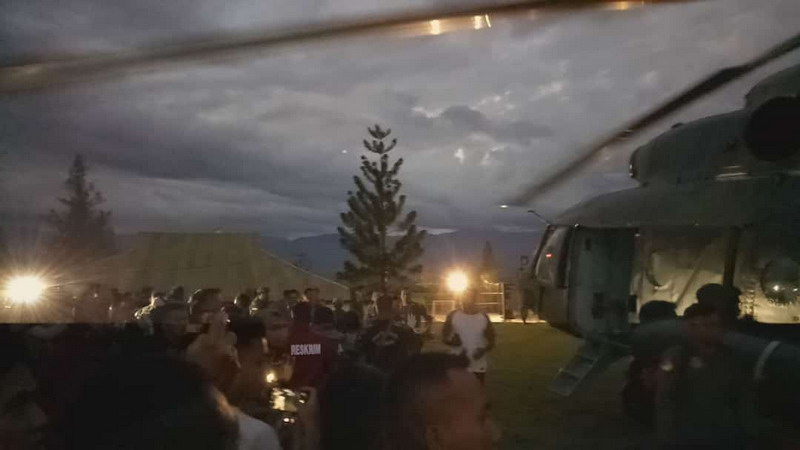 https: img-z.okeinfo.net content 2018 12 05 340 1986924 12-pekerja-dievakuasi-dari-distrik-mbua-3-orang-kena-luka-tembak-itK7F7qc8l.jpg
