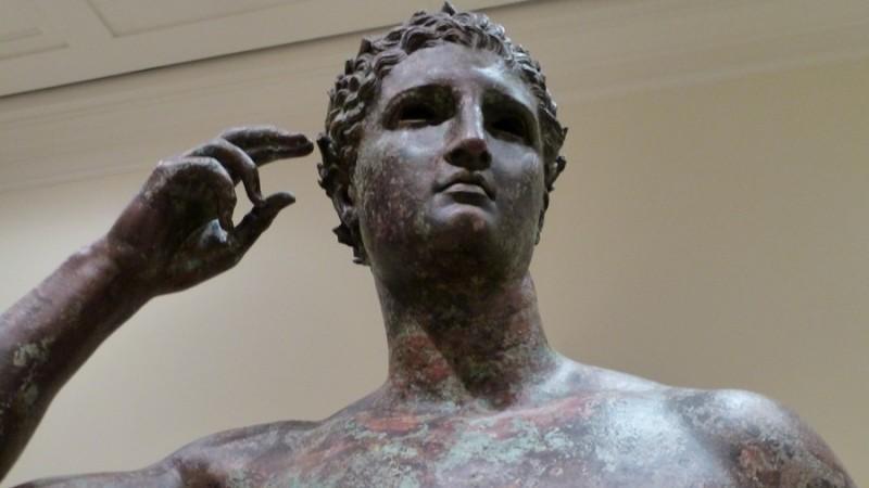https: img-z.okeinfo.net content 2018 12 06 18 1987754 pengadilan-perintahkan-museum-as-kembalikan-patung-berusia-2-000-tahun-ke-italia-iODgzMqL11.jpg