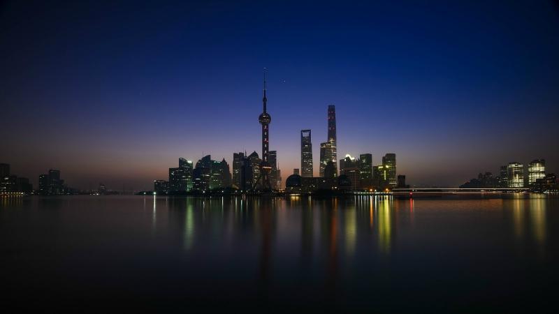 https: img-z.okeinfo.net content 2018 12 06 406 1987652 bukan-tokyo-atau-singapura-sekarang-shanghai-jadi-kota-termahal-termewah-di-asia-VJ9xbXOIWB.jpg