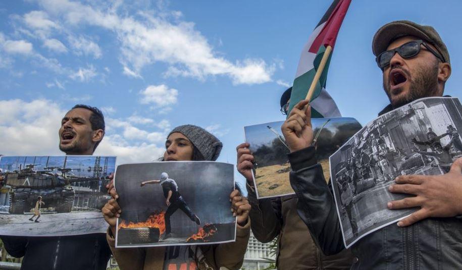 https: img-z.okeinfo.net content 2018 12 09 18 1988809 dukung-palestina-demonstran-tunisia-geruduk-kantor-menteri-asal-yahudi-zZeb2SDRlW.JPG