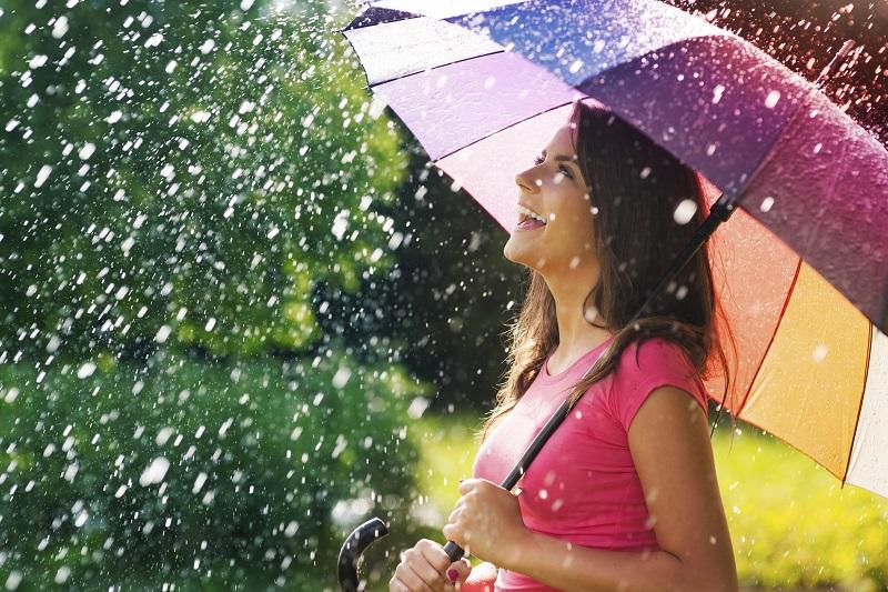 https: img-z.okeinfo.net content 2018 12 12 196 1990453 3-mitos-menghentikan-hujan-unik-banget-24jDiPt8nO.jpg