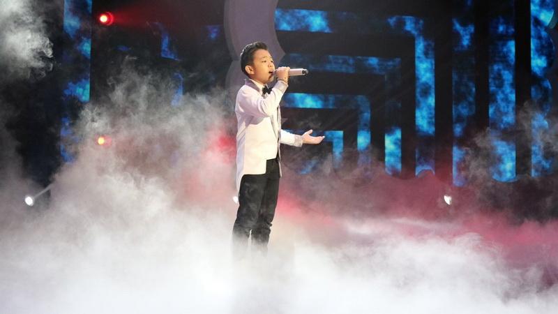 https: img-z.okeinfo.net content 2018 12 14 598 1991331 nyanyikan-lagu-loren-allred-deven-banjir-pujian-dari-juri-indonesian-idol-junior-RTZtp0cw2C.jpg