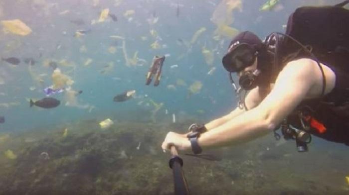 https: img-z.okeinfo.net content 2018 12 17 406 1992342 kompilasi-kasus-buang-sampah-ke-laut-yang-sempat-viral-7B3wjDE7v9.jpg