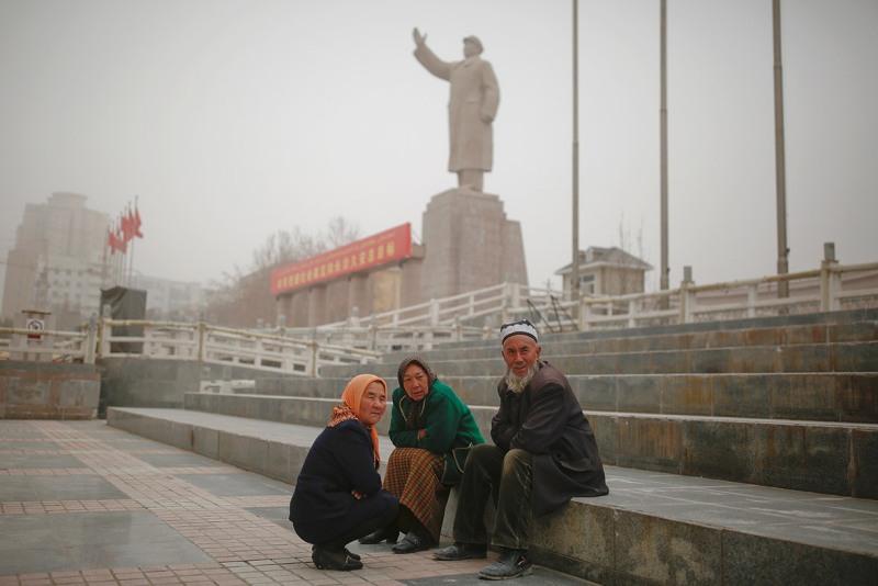 https: img-z.okeinfo.net content 2018 12 25 18 1995638 mengapa-ketegangan-antara-pemerintah-china-dan-etnis-uighur-terus-terjadi-RjFUyY3lYP.jpg