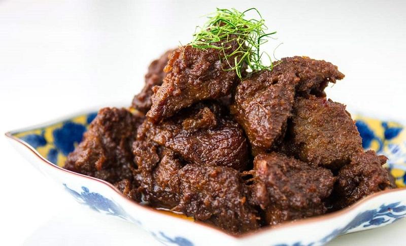 https: img-z.okeinfo.net content 2018 12 28 298 1996976 wajib-dicoba-5-rumah-makan-padang-paling-enak-di-jakarta-s3Dhbl9Xpu.jpg