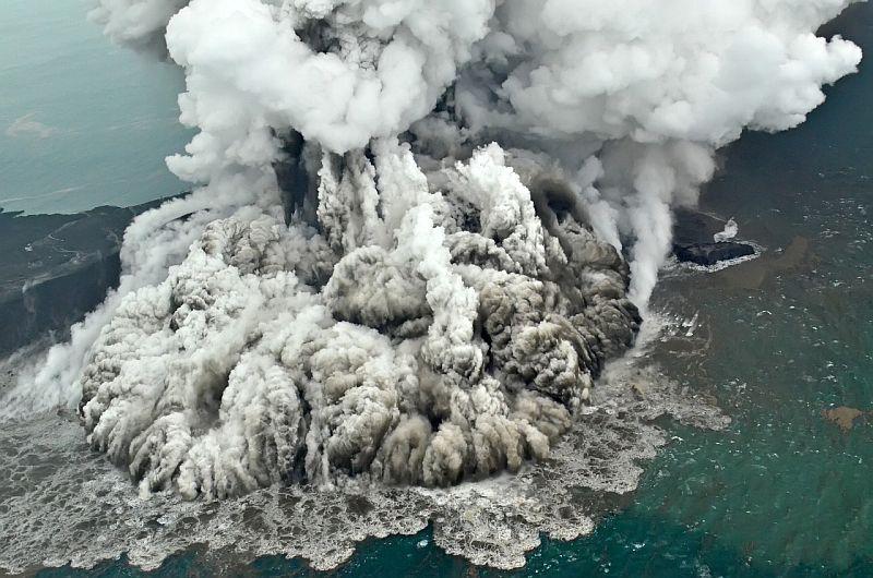 https: img-z.okeinfo.net content 2018 12 30 337 1997693 21-gunungapi-berstatus-di-atas-normal-gunung-sinabung-awas-2-gunung-di-sulut-siaga-oJ6y0nbAPF.jpg
