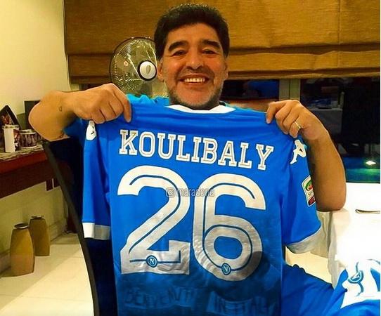 https: img-z.okeinfo.net content 2018 12 31 47 1998213 tak-hanya-koulibaly-maradona-pun-sering-kena-rasis-di-italia-YG7rFXsi0P.jpg