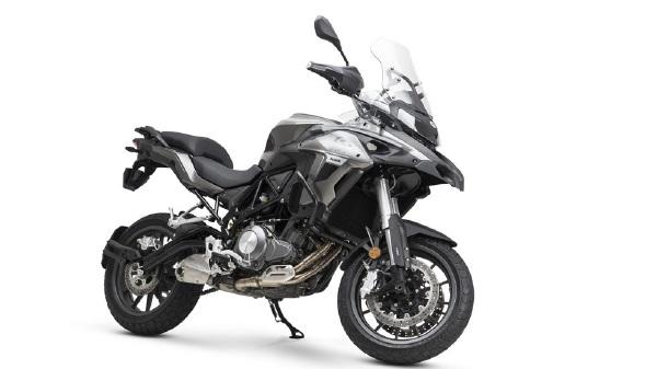 https: img-z.okeinfo.net content 2019 01 02 15 1998907 motor-adventure-bermesin-500-cc-ini-akan-saingi-kawasaki-versys-GObz2M2dEk.jpg