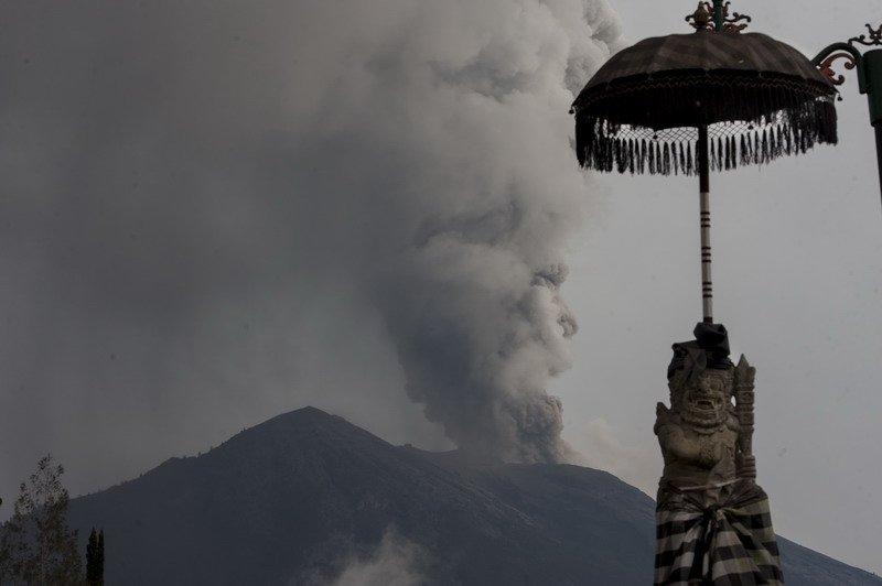 https: img-z.okeinfo.net content 2019 01 03 337 1999680 fakta-fakta-gunung-api-raksasa-di-bawah-laut-sumatera-cyQ7sxGDtb.jpg