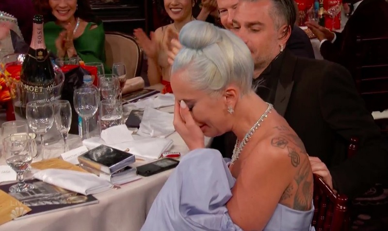 https: img-z.okeinfo.net content 2019 01 07 206 2000835 lady-gaga-menangis-menang-best-original-song-di-golden-globes-2019-idOw6WPy26.jpg