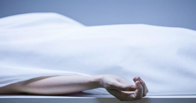 https: img-z.okeinfo.net content 2019 01 07 608 2001180 mayat-bugil-pria-dan-wanita-ditemukan-di-kamar-hotel-1-diduga-korban-tembakan-WiZwc3bRE4.jpg